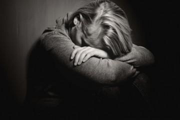 Depressione, sintomi depressione, insonnia, agitazione, stanchezza cronica, bassa autostima, tristezza, disperazione, ansia